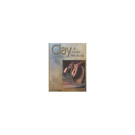 CLAY A STUDIO HANDBOOK : PITELKA